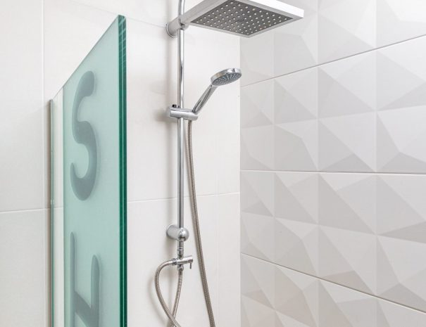 Maisonette shower